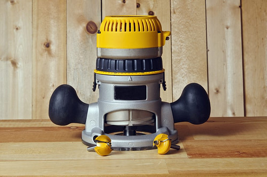 router - must-have woodworking power tools (2)