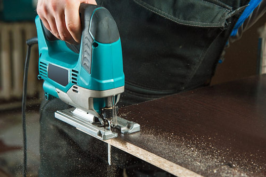 jigsaw - must-have woodworking power tools (3)