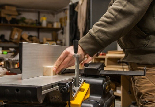 Jointer - must-have woodworking power tools (2)